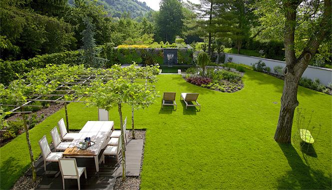 Vertikální zahrada ladí s architekturou domu