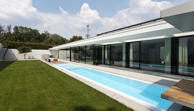 Krásná vila ve stylu funkcionalismu