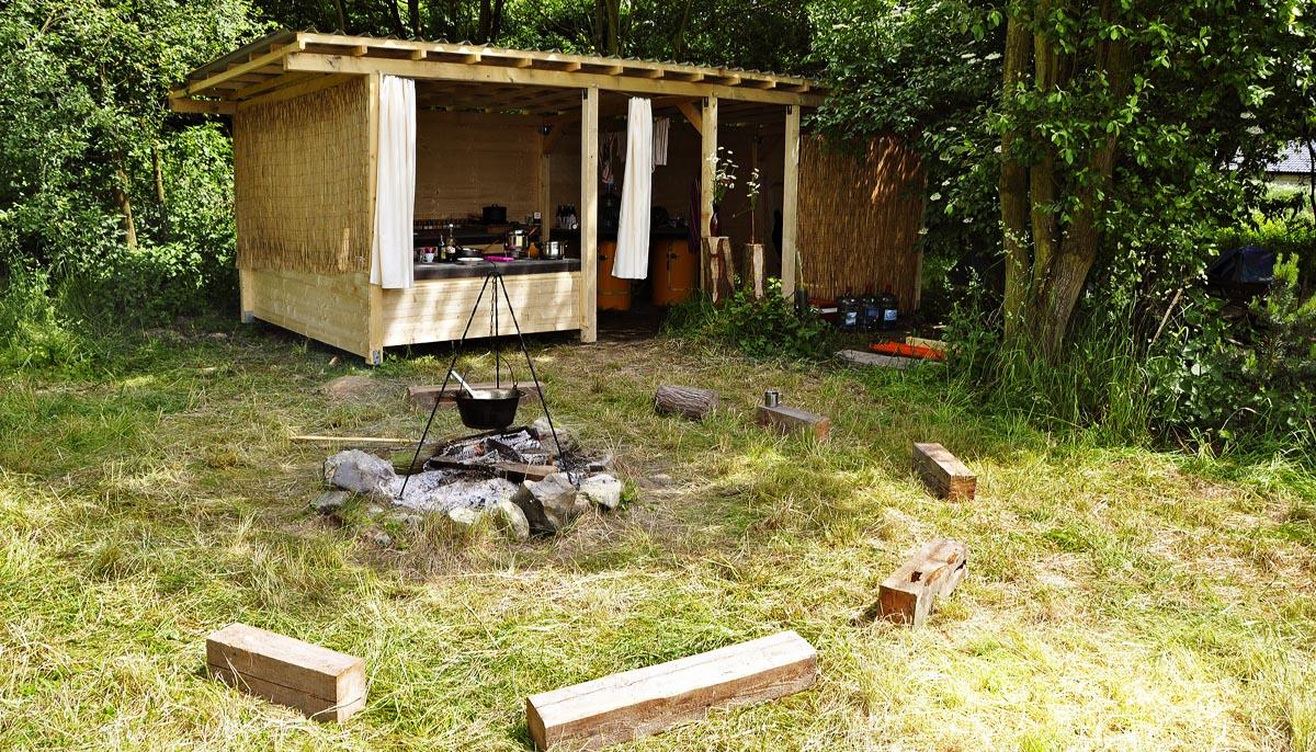 Jednoduchá letní kuchyň