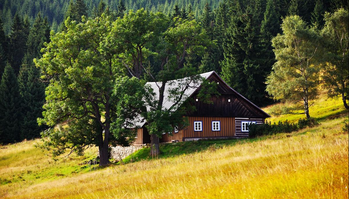 Bydlení ve stínu horských štítů (1.)
