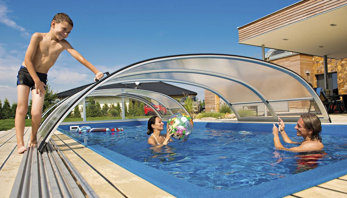 Bazény: Koupání na sklonku léta