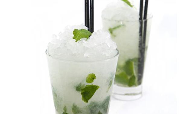 Koktejl s tonikem