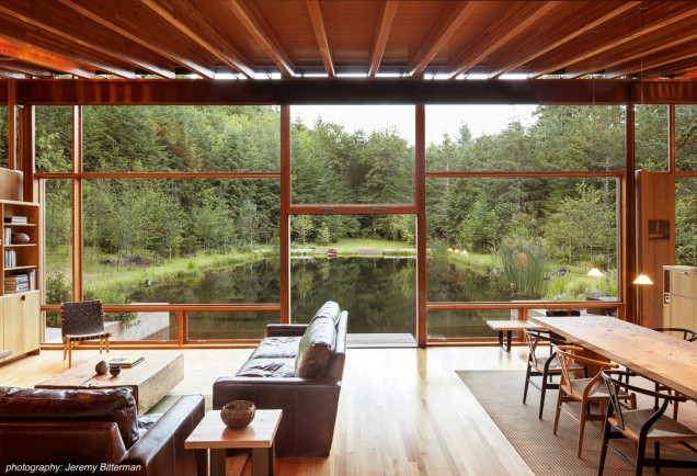 Obývací pokoj. AIA Housing Awards 2016: Cutler Anderson Architects - Newberg Residence