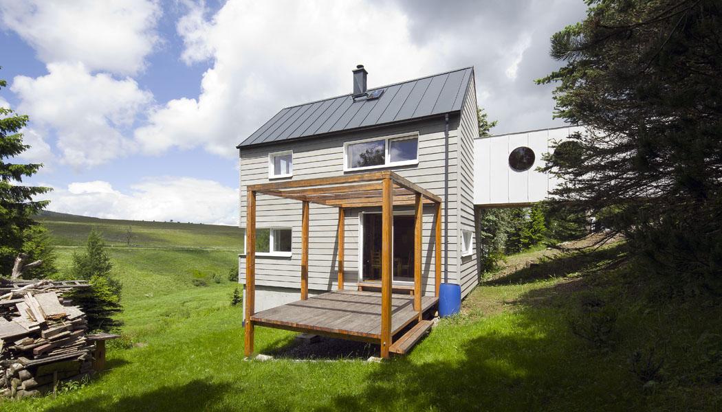 Malý dům s vlastní lávkou