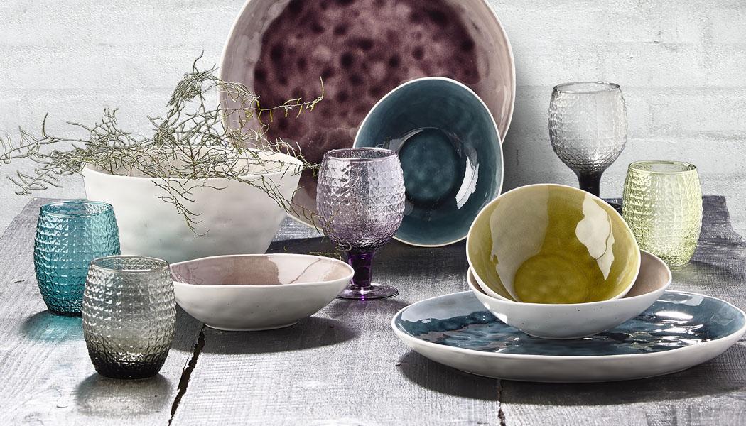 STOLOVÁNÍ, část 3.: Bílé nádobí už není jen bílé