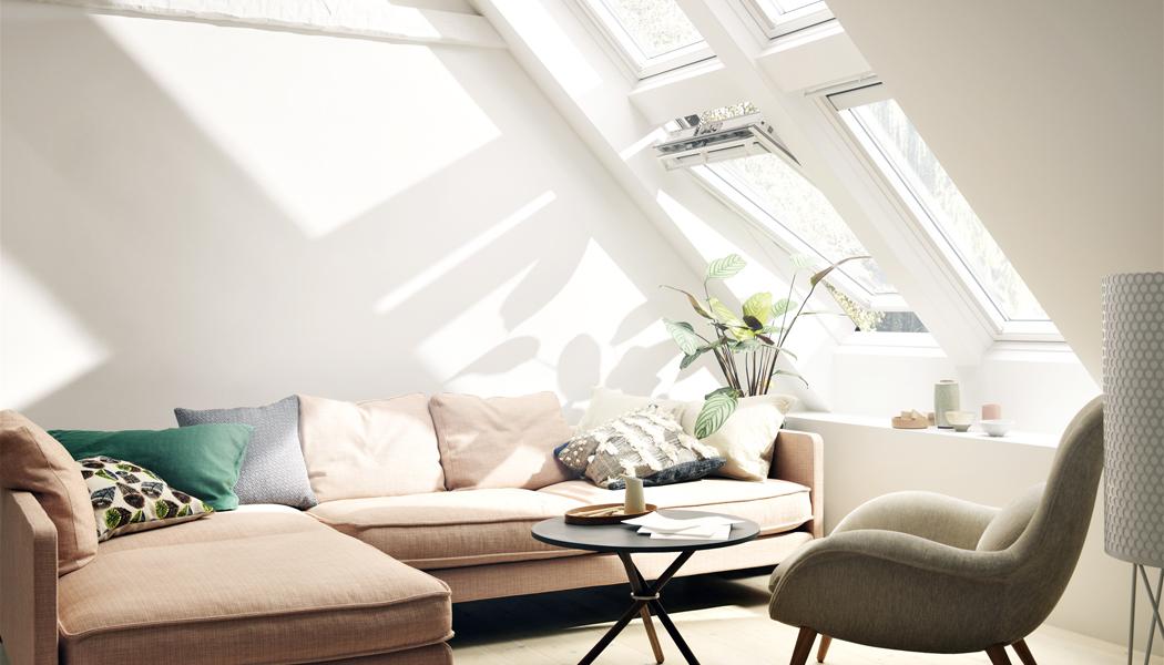 PODKROVÍ A STŘEŠNÍ OKNA: Světelný komfort o patro výš