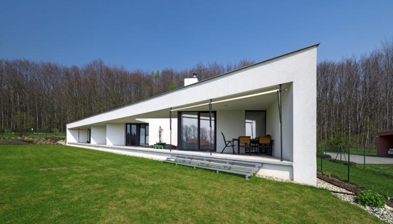 Luxusní bungalov ve tvaru trojúhelníku
