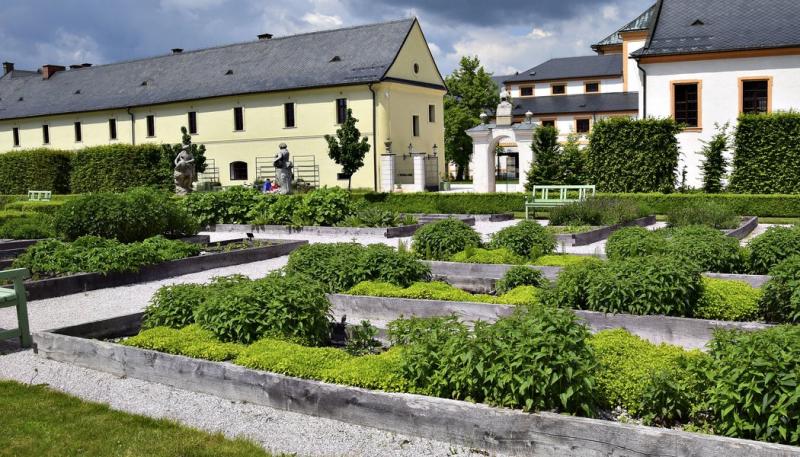 Bylinková zahrada s historickým odkazem