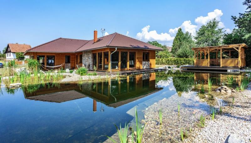 Přízemní dřevostavba: Idylka v kraji rybníků