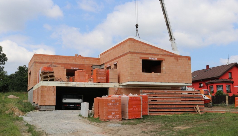 Konstrukce střechy z keramobetonových panelů HELUZ má vysoký uživatelský standard