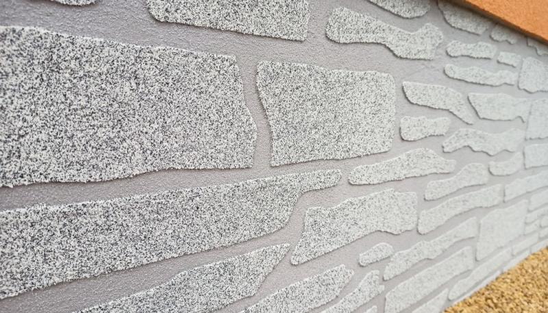Nová omítka Cemix vytvoří věrohodný vzhled kamene